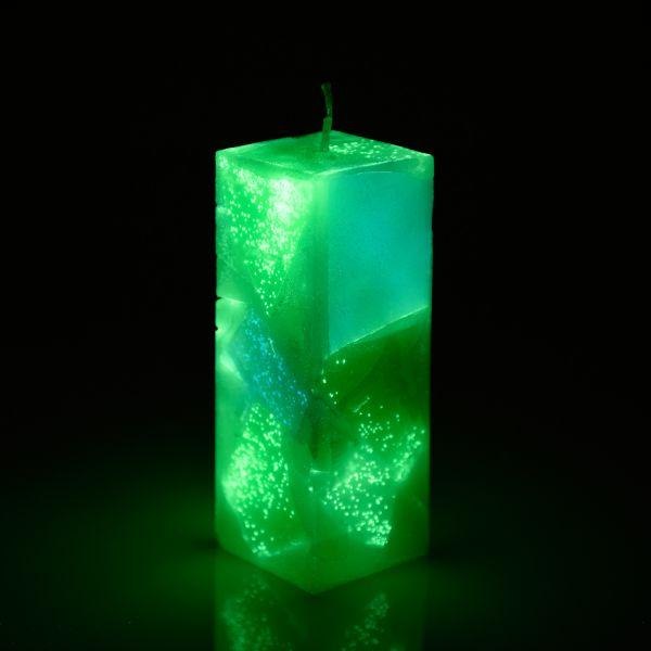Dekorative Leuchtkerze mit Nachleuchteffekt Grün - Nachleuchtende Dekokerze